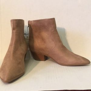Banana Republic NWT Taupe Faux Suede Ankle Booties